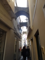 narrow streets of Capri