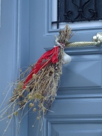 Garlic door decoration